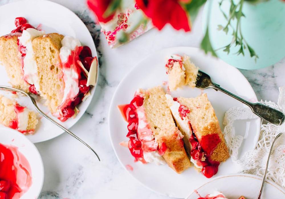 ケーキの中に嬉しいサプライズ…!?ゲストに喜ばれるラッキードラジェ♪