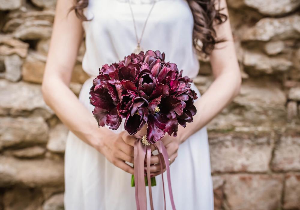 6月に結婚式を挙げると幸せになる「ジューンブライド」とは?