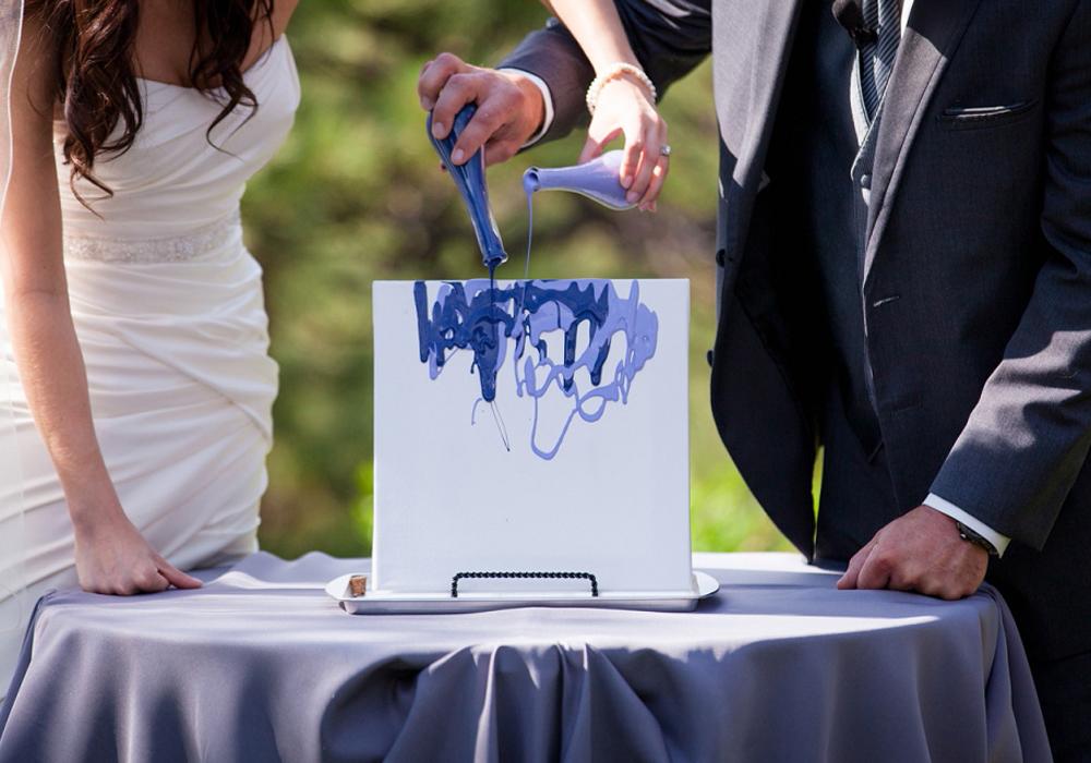 結婚式に芸術的な演出を!ブレンディングペイントセレモニー