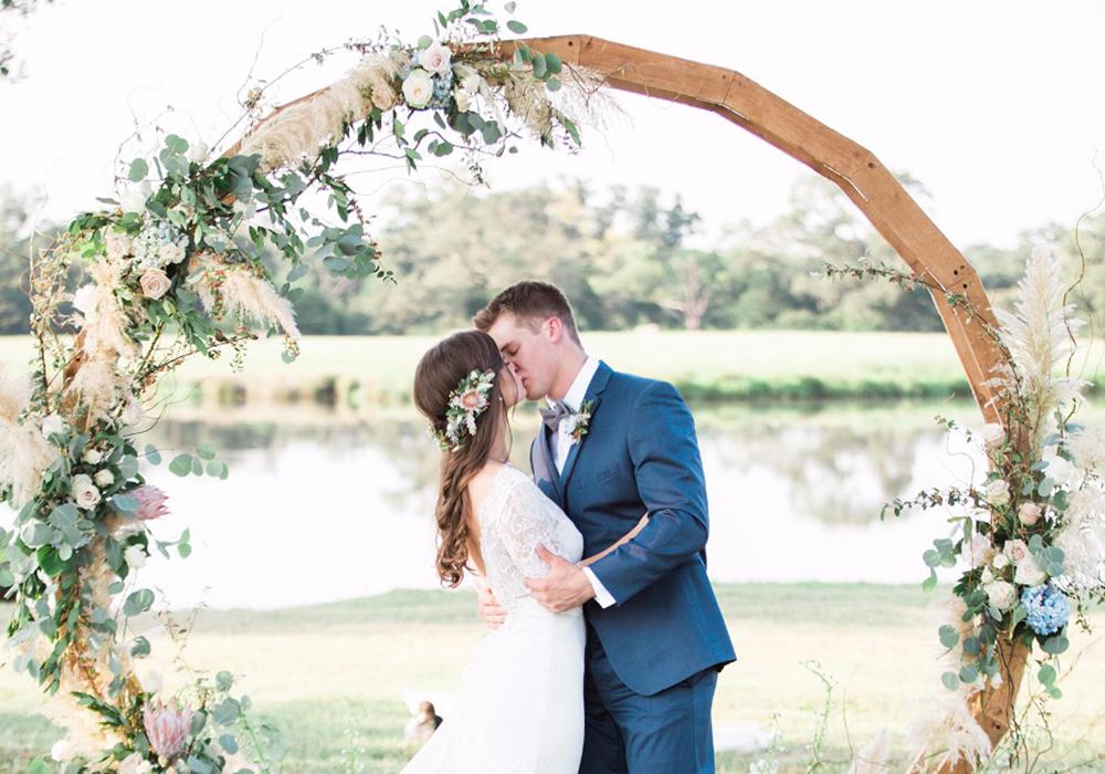 アーチ装飾でワンランク上のおしゃれな結婚式♪