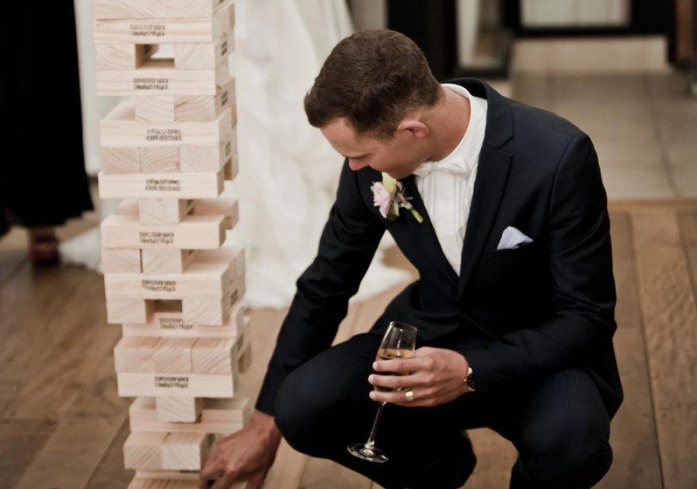 結婚式におすすめのミニゲーム♪海外で定番のジャイアントジェンガで盛り上がろう!